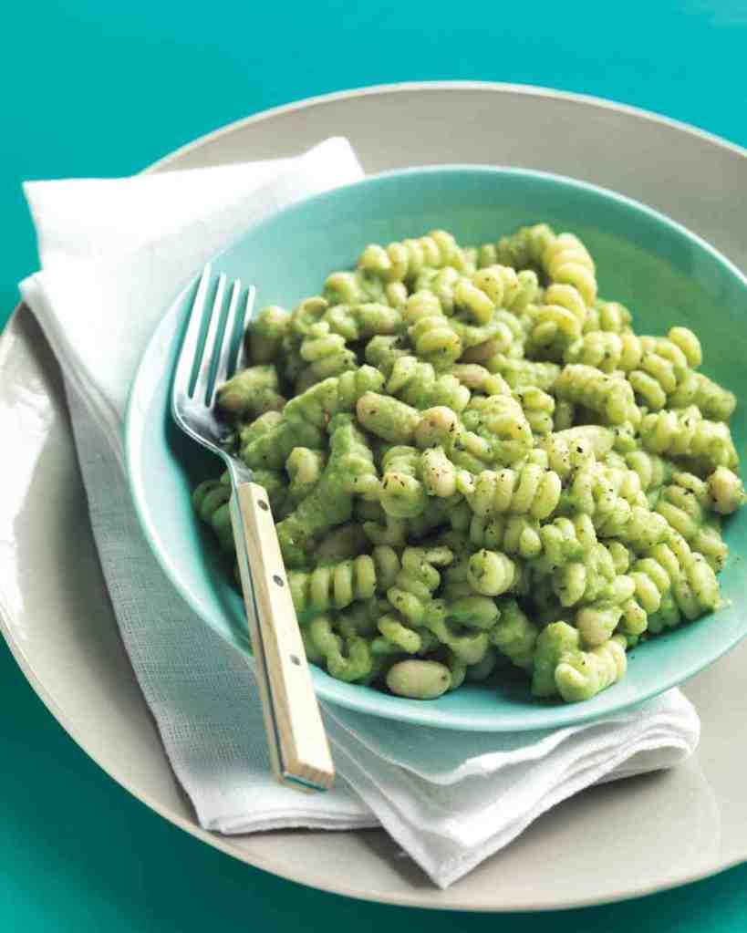 white-bean-broccoli-pesto-med107845_vert